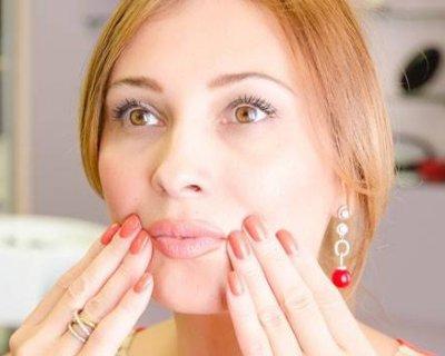 Масаж щік для схуднення і проти обвисання: 5 технік, які зроблять овал обличчя точеним