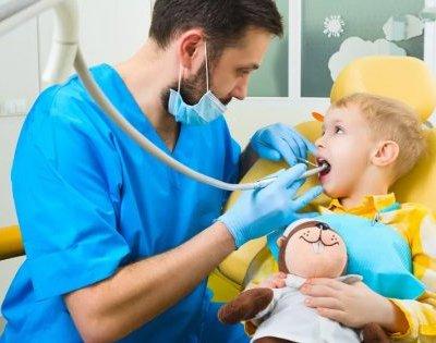 Стоматолог про дитячі страхи і дорослі помилки